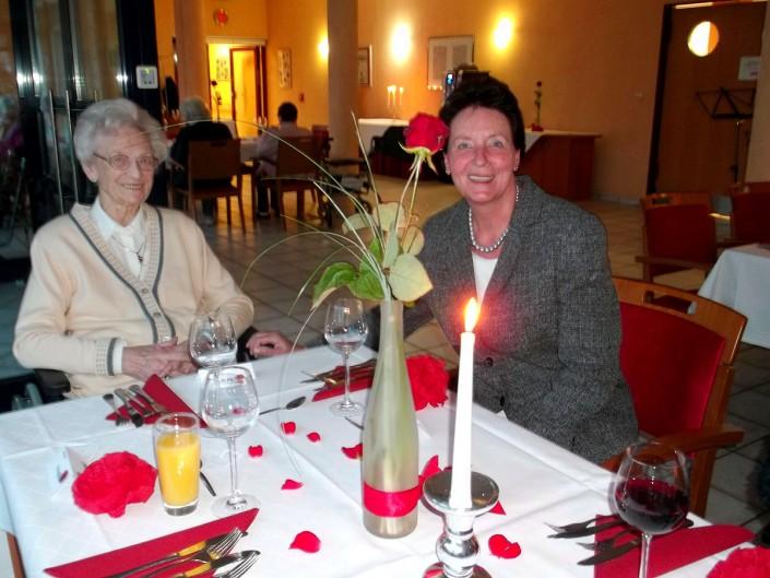Ferdinand Dienst Haus -Seniorenheim Herne - Candle light Diner 2015